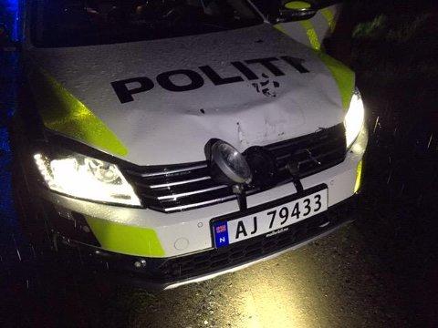 BULKET: Slik så tjenestebilen til politiet ut, etter møtet med bobilen.