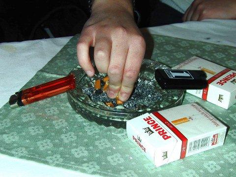 Røykeslutt: Østfoldinger – stump røyken. Dere og!