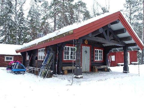 ÅPEN: Serveringshytta ved Lysholm er et naturlig stoppested for mange skiløpere på Ørje.