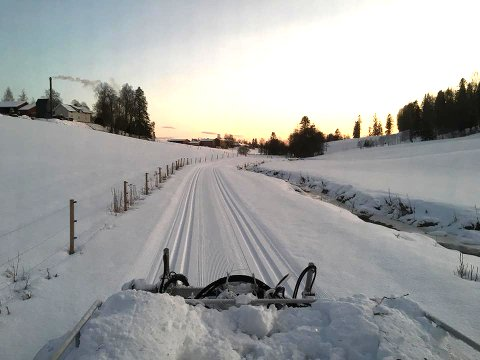 STRØKENT: Det er mange skiløpere som fryder seg over slike forhold som dette. Her ved Hyllibekken i løypa som går fra Hovin skole i Spydeberg.