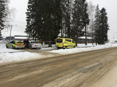 En død person er funnet i et søppelskur ved Korsgård skole i Askim.