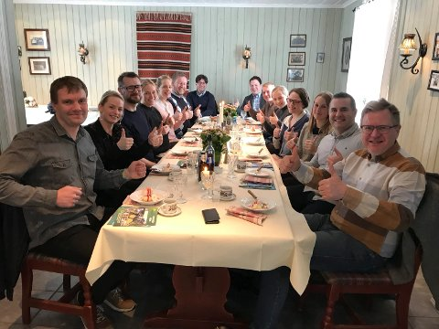 SAMLING: Lørdag og sløndag besøkte Østfold-ambassadørene Halden og Mysen. I Mysen fikk de møte næringsrådgiver Carsten Lier og ordfører Erik Unaas.