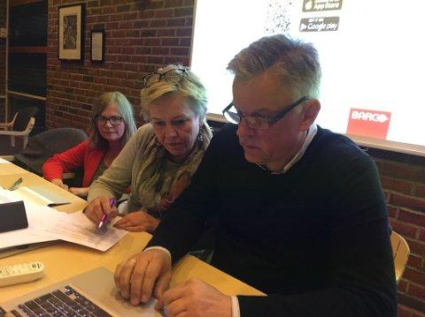 SOOT-SPELET: Fra venstre: Rådmann Tove Skadsheim, ordfører Kjersti Nythe Nilsen og kommunalsjef Vidar Østenby.