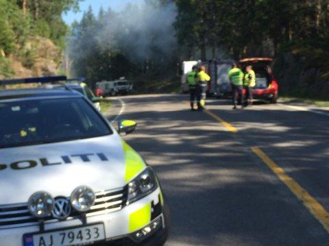 Røken fra skogbrannen ved Brutjern brannen synes på lang avstand.