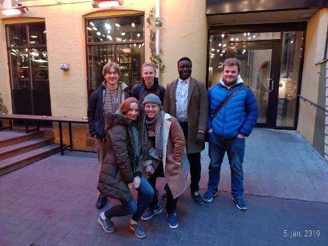 ARBEIDSGRUPPEN: Her er den nye Arbeidsgruppen. Fra høyre: Jesper Strøm (Buskerud), Andreas Evenstuen  (Buskerud), Daniel Aluku (Østfold), Bjørn Westbye (Akershus), Selma Løkken (Akershus) og Gunnar Karlsen (Østfold)