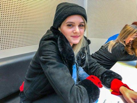 BESTE FRISØR: Tuva Vold Enoksen (19) fra Spydeberg gikk til topps blant frisørelevene - med to elever fra Glemmen vg skole i Fredrikstad på de nærmeste plassene.