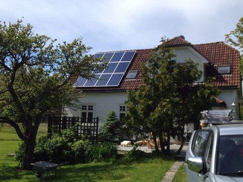 Fjordkraft vil gjøre det enklere for privatkunder å starte med solproduksjon på taket.