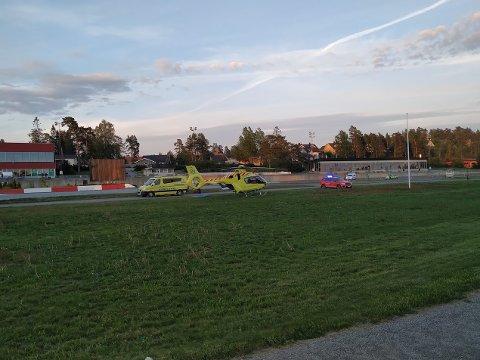 ULYKKE: Et ambulansehelikopter har landet på Momarken Travbane.