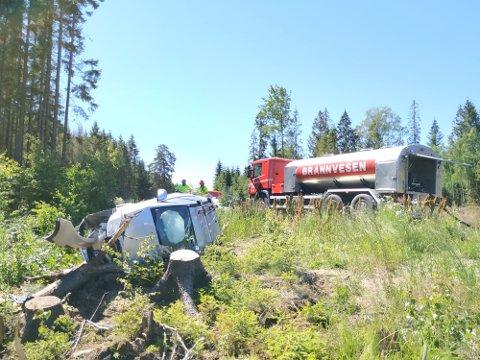 Bilen har fått betydelige materielle skader.