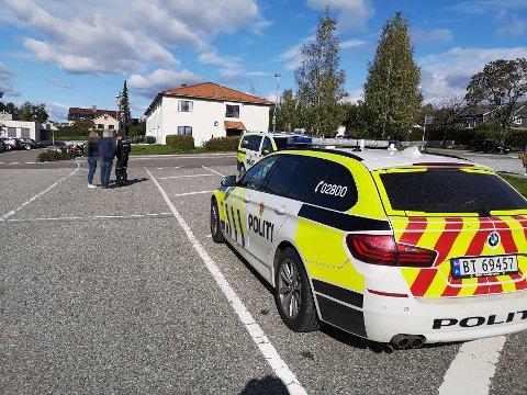 Politiet driver nå med forebyggende arbeid på stedet.