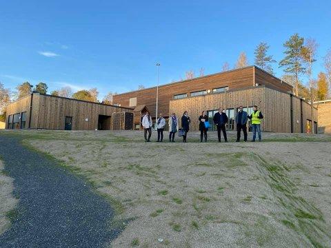 Torsdag var formannskapet på befaring i den nye barnehagen på Bommen.