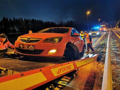 Denne bilen måtte berges etter at føreren sovnet bak rattet.