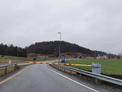 E18 i retning Oslo er stengt inntil videre.