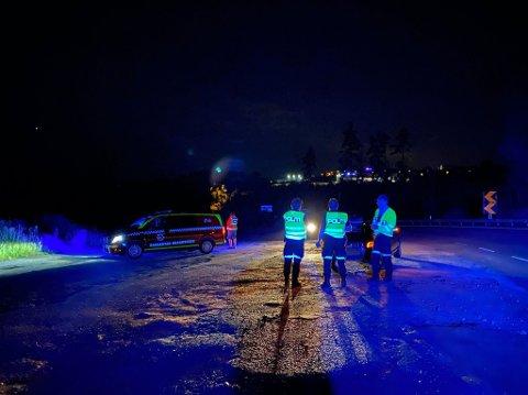 En bil kolliderte søndag kveld med en elg ved Kjennersvingen, noen hundre meter etter avkjøringen til Rudskogen motorsenter i Rakkestad.