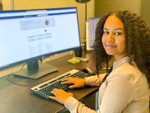 Henriette Borghov (18) har sikret seg lærlingplass på Statsministerens kontor.