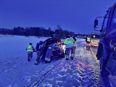 Bilen fikk betydelige skader i fronten.