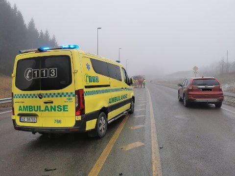 En av de involverte sjåførene beskrives som alvorlig skadet.