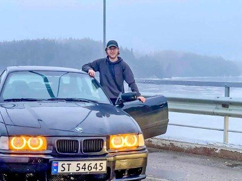 Henryk-Andreas Kihle mener bilfolket i distriktet burde ha en plass å børne på sommerstid og kjøre isbane om vinteren, om forholdene tillater det. Her med sin BMW E36 320i Coupe.