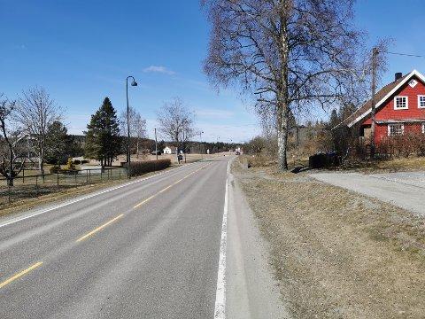 Her skulle Skiptvet kommune ønske at det kunne bygges fortau. Kommunen savner svar fra Fylkeskommunen.