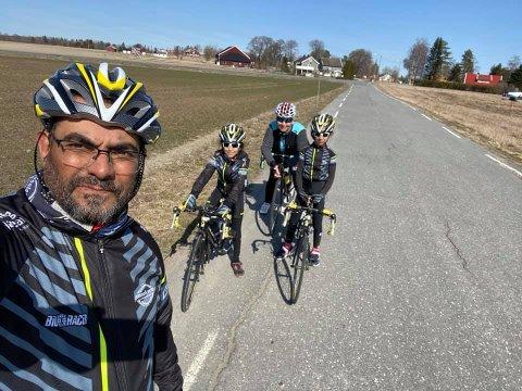 ENDELIG RITT: Samir Tawfiq gleder seg stort til torsdag 3. juni. Da blir det sykkelritt i Indre Østfold. Smaalenene Sykkelklubb har nemlig fått godkjennelse for gjennomføring av ungdomsrittet Glava Petit Prix. Samir Tawfiq er både klubbleder i sykkelklubben og rittleder.