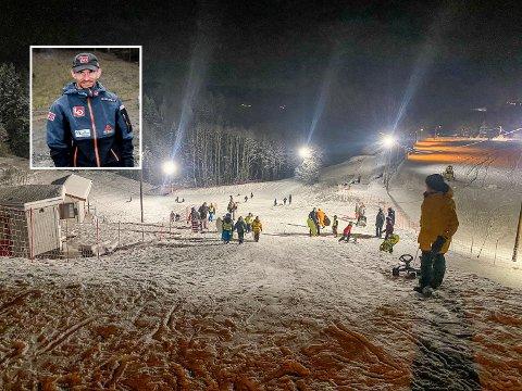 POPULÆR: Minialpinanlegget på Tomter har blitt kjempepopulær. Nå blir det også skitrekk i bakken. Ildsjel og primus motor, Tom André Brenna (innfeltet), gleder seg.
