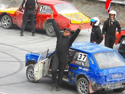 JUBEL: Sebastian Huse jubler etter seier i A-finalen i bilcross på Brekka. Den seieren har han ventet på siden 2013.