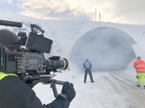 STØTTE: Spenningsfilmen «Tunnelen» får 100.000 kroner av Vik kommune, som også har medverka på fleire praktiske felt. (Foto: Nordisk Filmproduction)
