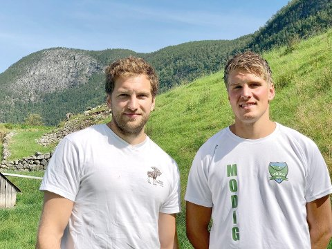 TREKLØVER: Ruben og Dag Einar Bøtun. Sigbjørn manglar. (Foto: Cecilie Skogheim)