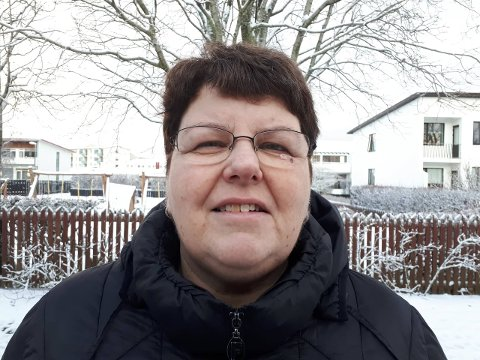 Signe Reidun Skarsbø frå Årdal bur på Island. Ho saknar familien og ville gjerne ha vore med dei både i jula og i adventstida. (Foto: Privat)
