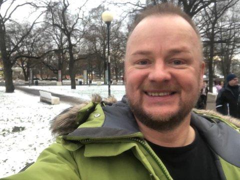 Odd Helge Brugrand bur i Tallinn, men kjem alltid heim til Lærdal for å feira jul.