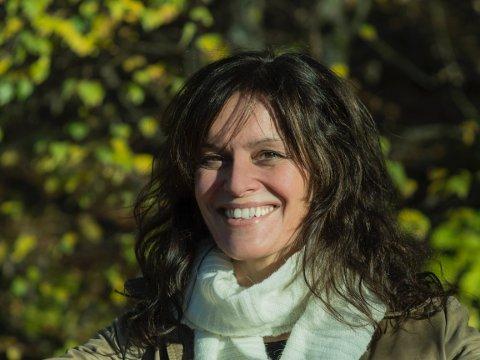 FEELGOOD: Ingrid Ese fekk eit flott møte med radiokameratane på Sunnmøre. No er deira dugnadsinnsats blitt film.