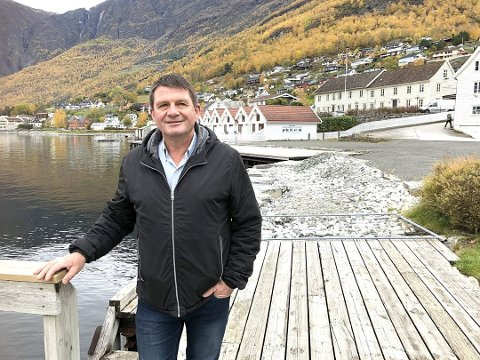SAKTE: Ordførar Trygve Skjerdal tykkjer dei nye gondolplanane i Flåm er spenstige, og lanserer tanken om å behalda Aurlandsvangen som den trauste turistplassen i kommunen.