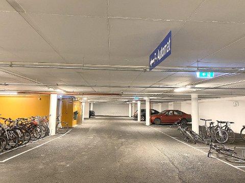 GULLGRUVA: Sogndal kommune henta inn meir enn 15,5 millionar kroner frå p-automatane i fjor, det er medrekna gebyr og i alt tretti prosent opp frå 2017.