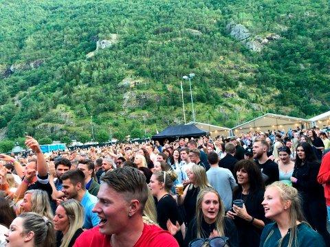 REKORD: I fjor hadde Jordeplerock 3.600 besøkande totalt. I år planlegg arrangørane for festival, men har likevel utsett billettsalet.