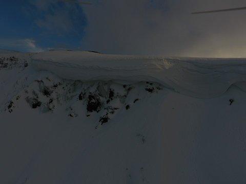 SVÆR: Asbjørn Myrkaskog i Vik filma denne skavlen med drone, medan han stod på stølen Hang.