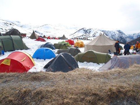 UNNGÅ TELTING HER: Luster kommune ynskjer ikkje telting i Turtagrø denne påsken. Fotoet er frå High Camp.