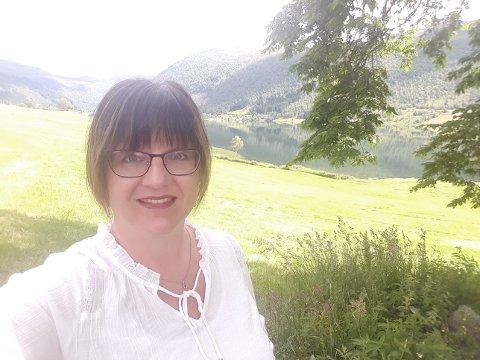 NØGD: Birte Husum gler seg over at stillinga som kreftkoordinator no blir lyst ut likevel. Ho har tidlegare hatt denne jobben sjølv.