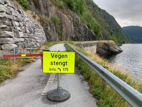 OPNA: Riksveg 13 på utsida av Fatlatunnelen er no opna etter etter raset som gjekk natt til onsdag. (Foto: Stein Magne Os)