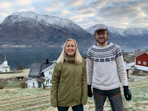 NY SATSING: Saman skal Lise Sværi (34) og Anders Månum (43) gjera ein moderne vri på tradisjonsrike Nes Gard.
