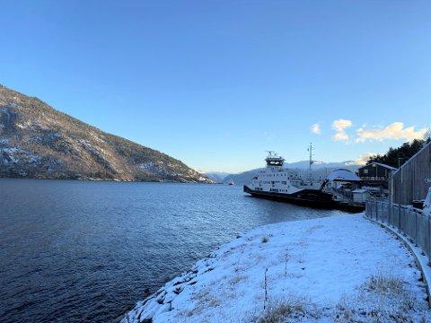 JOBB:  Det vert arbeid ved ferjekaien på Dragsvik fram til slutten av februar.