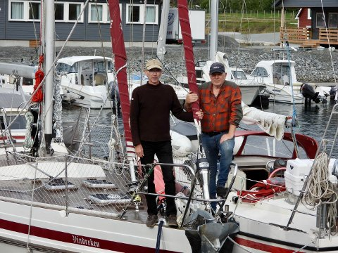VIL NÅ UT TIL FLEIRE: Einar Husabø og Odd Tufte ynskjer å nå ut til nye seglarar i Sogn.