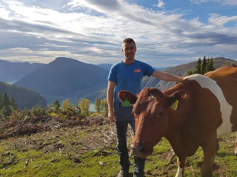 NOMINERT: Hermund Prestegård (29) er nominert til årets unge bonde.