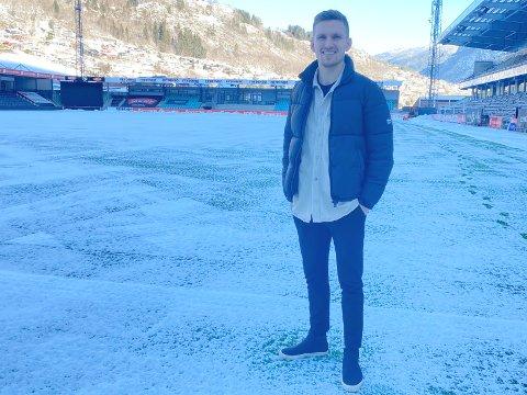 NY HEIM: Kristoffer Valsvik (25) kjøpte seg hus i Bergen i fjor sommar. Berre eit halvt år seinare flytta han vidare til sin nye heim –Fosshaugane Campus.