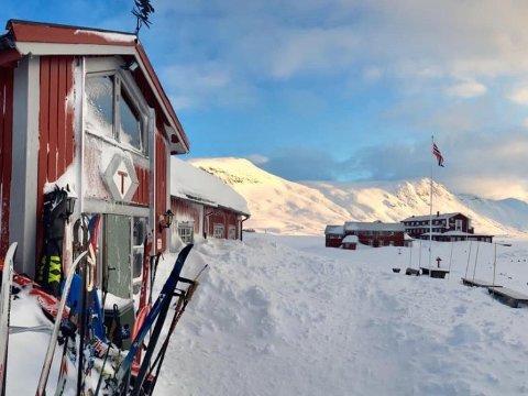 SMITTE: Ein av gjestene ved DNT-hytta Fondsbu, ved Eidsbugarden i Valdres, testa torsdag morgon positivt for covid-19. Rundt 50 hyttegjester er sett i karantene på hytta.