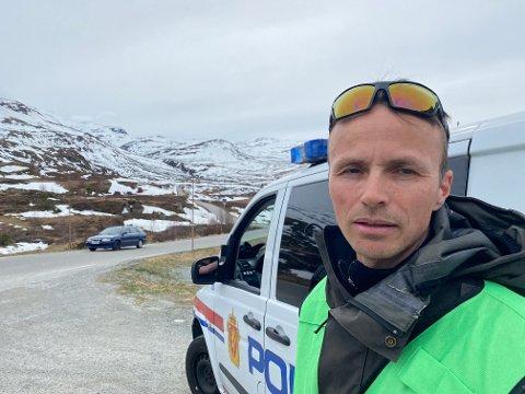 STOR AKSJON: Innsatsleiar Erik Skjerdal er på plass på Turtagrø. Det har gått eit større skred i Ringsdalen ved 14-tida 17. mai.
