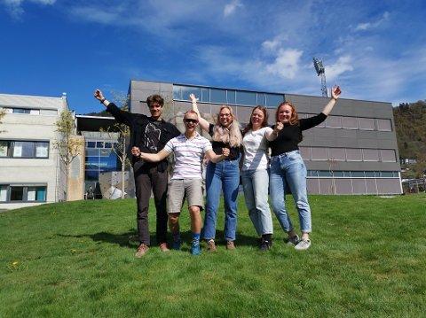 LAGAR SOMMARAKTIVITET FOR BARN: Så glade kan studentane vera over å skapa eit tilbod for unge, fv: Ernst Christian Leinum, Nicolai Drager, Ingrid Emilie Aarflot, Hedda Romberg og Ingrid Kyte.