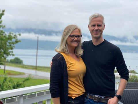 LETTA: – Me er utruleg letta og glade for at me no kan gå vidare med husplanen vår i Feios, seier Kari Sletten Samland og Roger Ulvestad.