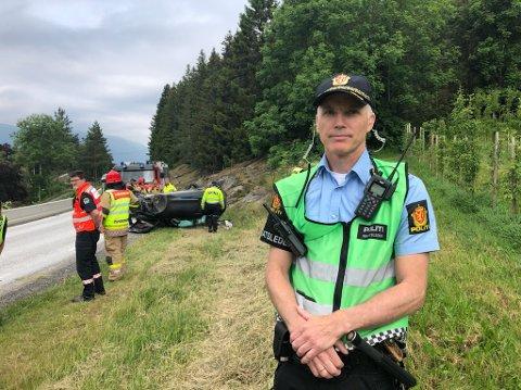 NAUDETATAR PÅ STADEN: Svein Inge Krogh Harberg på ulukkesstaden på Lomelde.