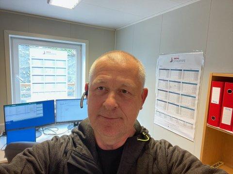 Anfinn Sjåstad er ikkje glad i verken Stasforvaltaren eller fylkeskommunen.