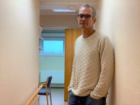 LEITAR: Smittevernlege i Årdal Bjarte Hove, seier at smittevegen inn på Årdal sjukeheim enno ikkje er kjend.
